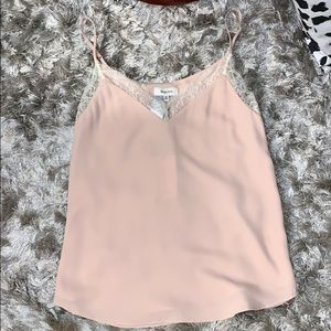 NEW Aritzia camisole with lace